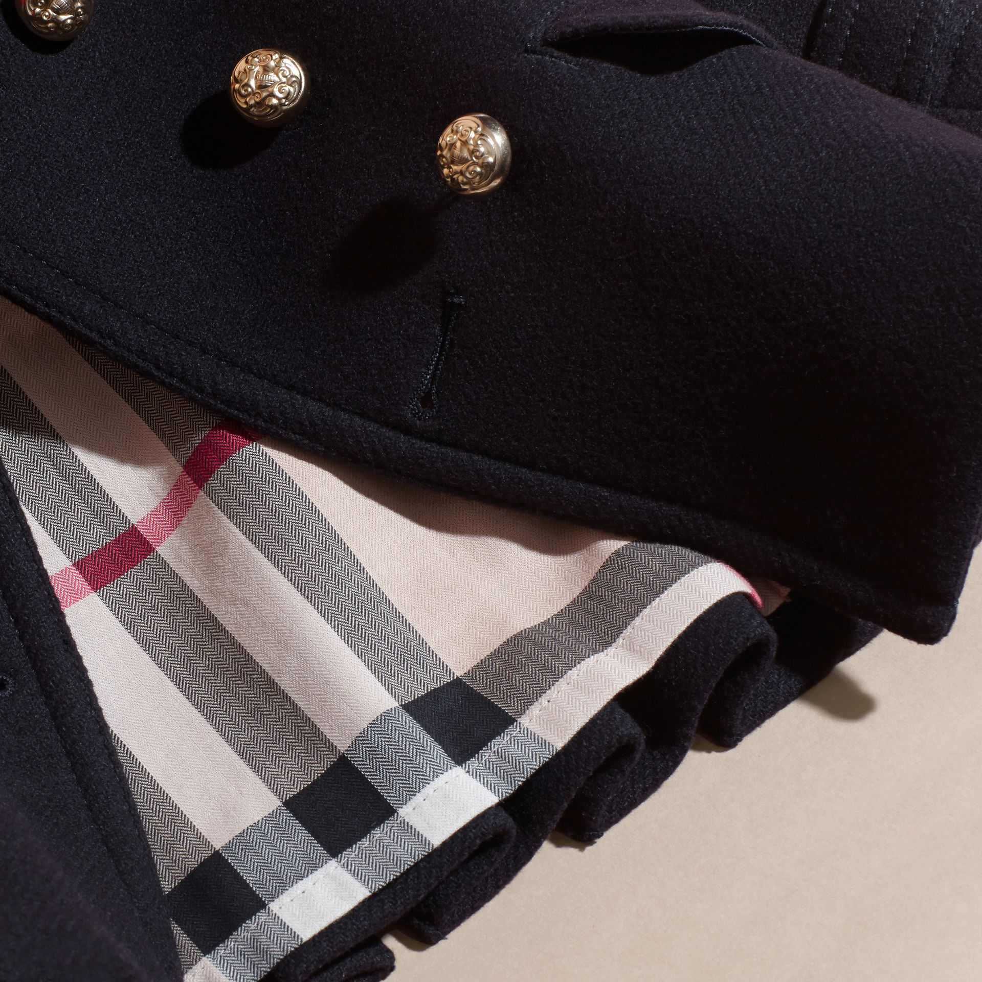 Azul marino Abrigo marinero militar en mezcla de lana y cachemir con detalles plisados - imagen de la galería 6