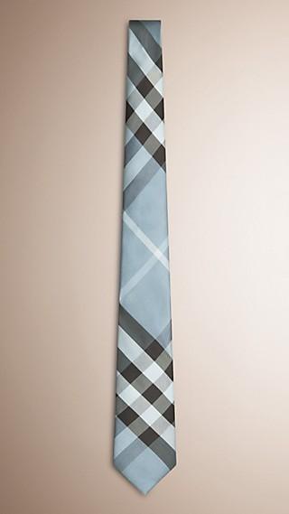 Gravata de seda com corte moderno e padrão xadrez
