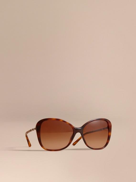 Gafas de sol estilo mariposa con detalles a cuadros Carey