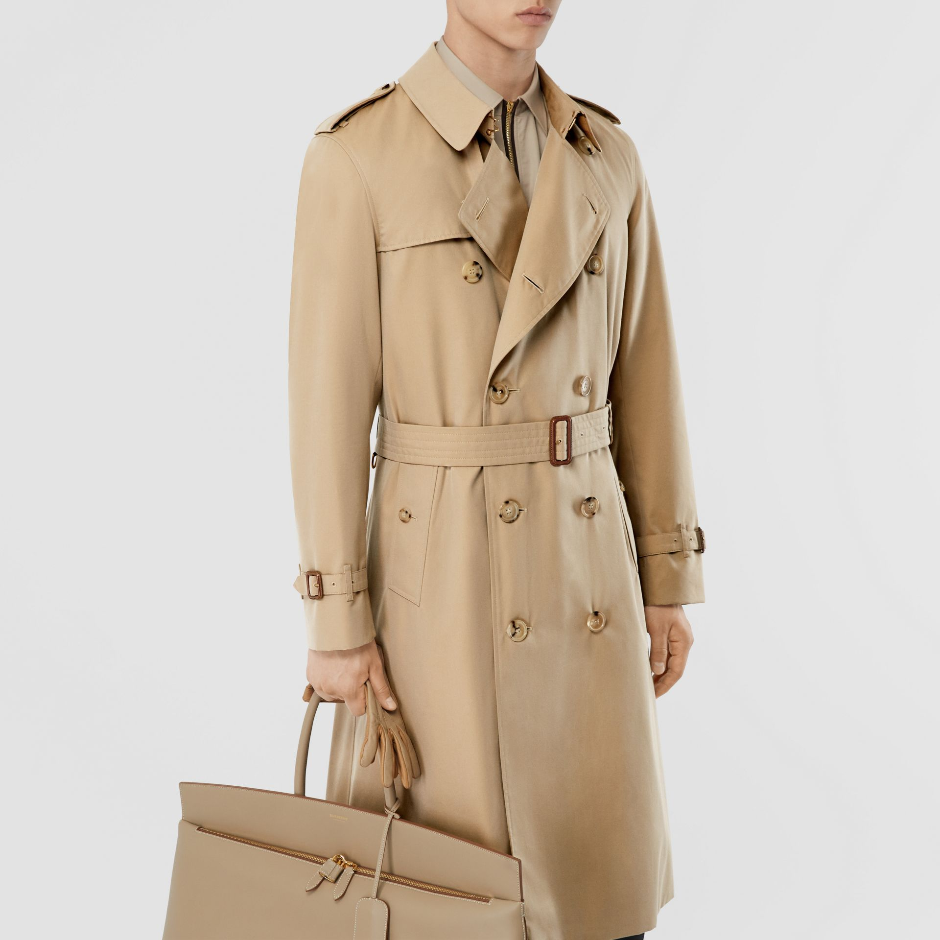 The Long Chelsea Heritage Trench Coat in Honey - Men | Burberry United States - gallery image 10