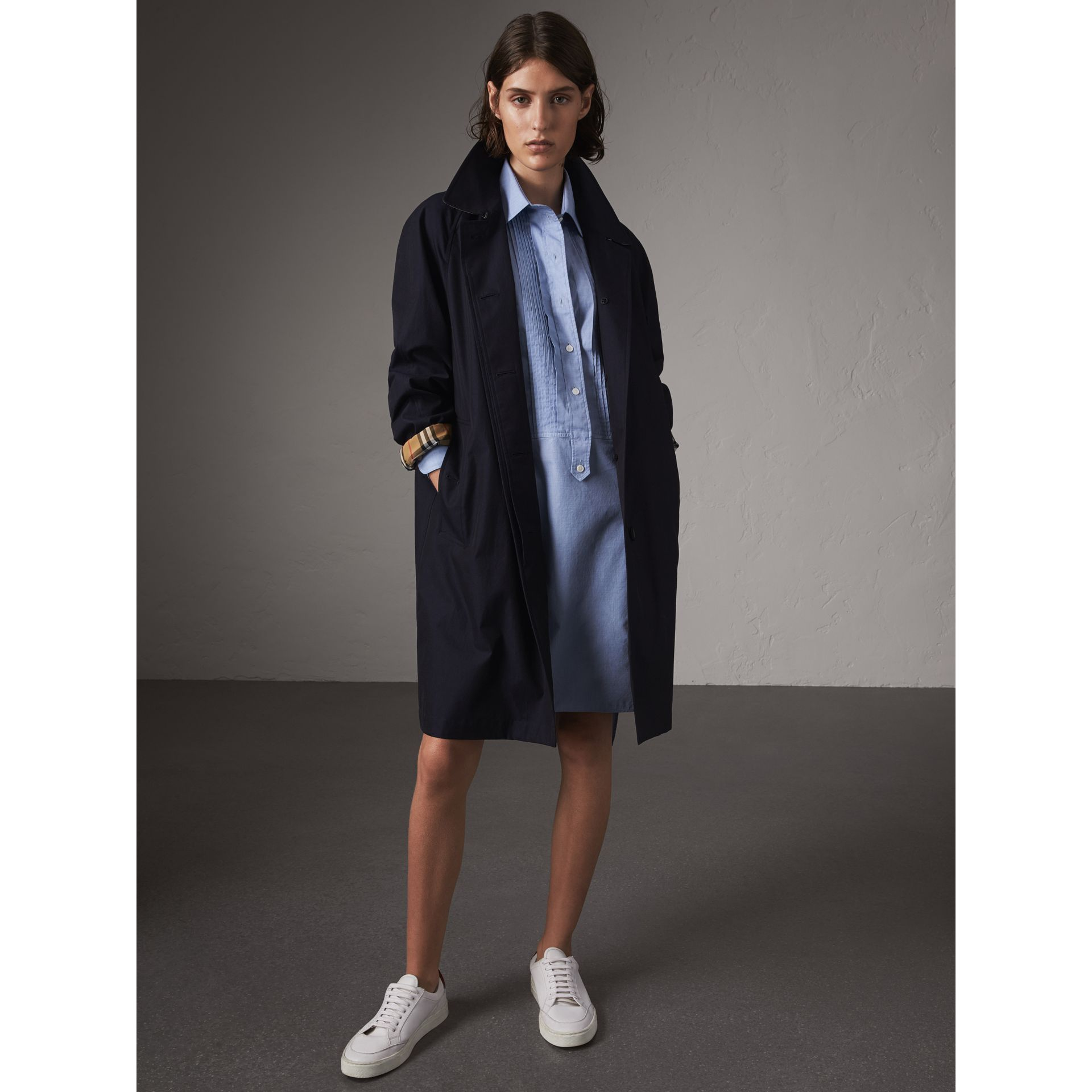The Camden – Car Coat long (Bleu Carbone) - Femme | Burberry - photo de la galerie 1