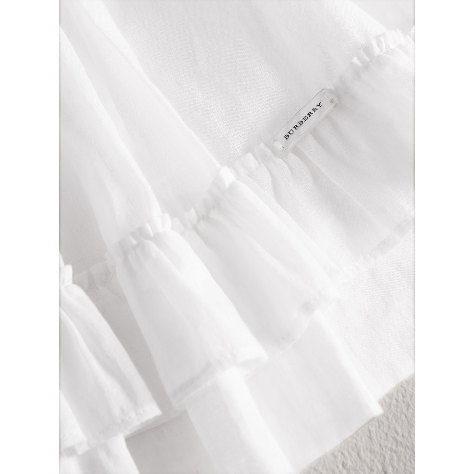 Chemise en coton à smocks (Blanc) - Fille | Burberry - photo de la galerie 1