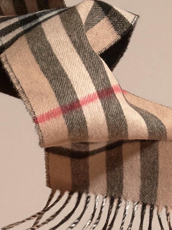 Cammello/nero Sciarpa double face sottile in cashmere con motivo check Cammello/nero - cell image 3