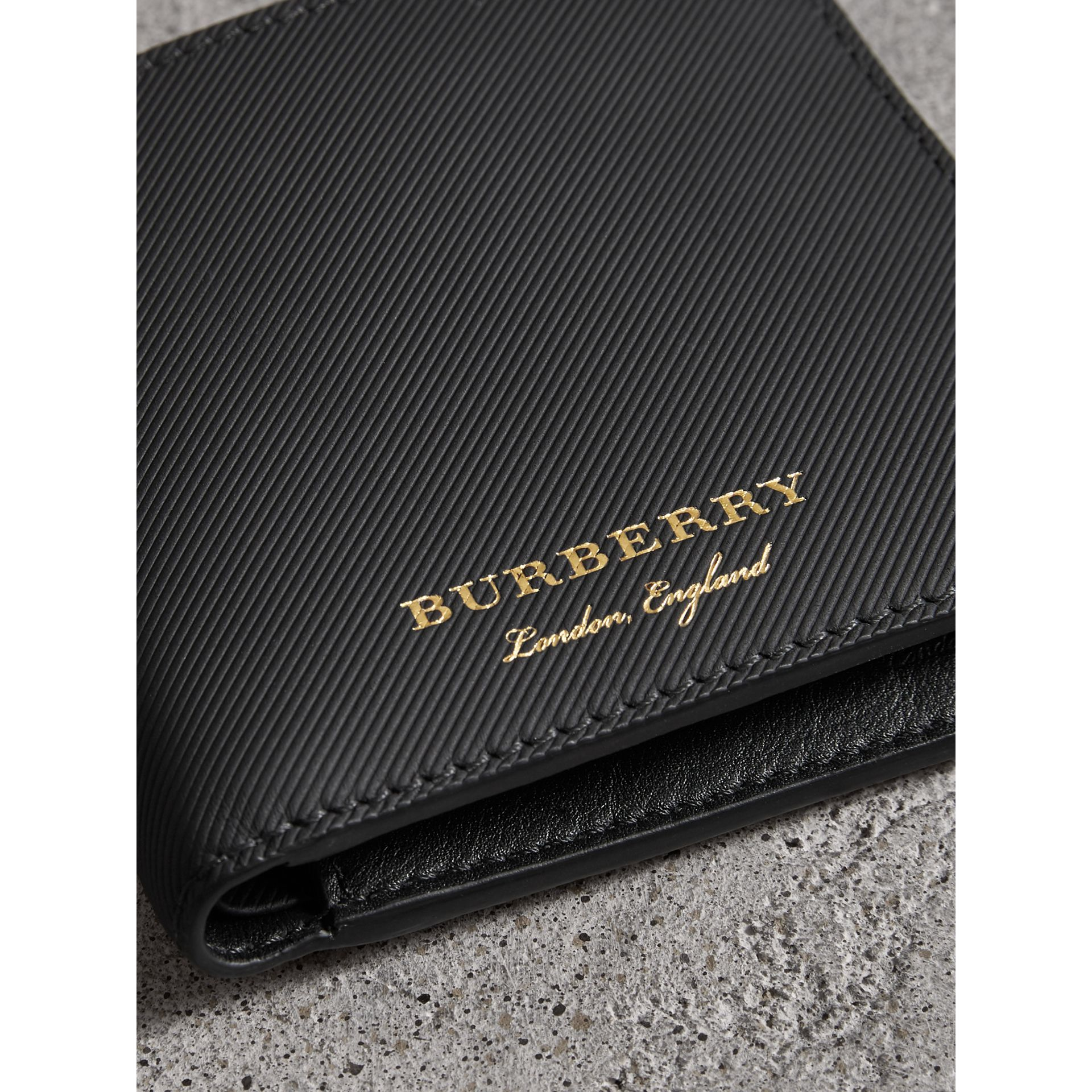 Trench Leather Bifold Wallet with Removable Card Case in Black - Men | Burberry - gallery image 1