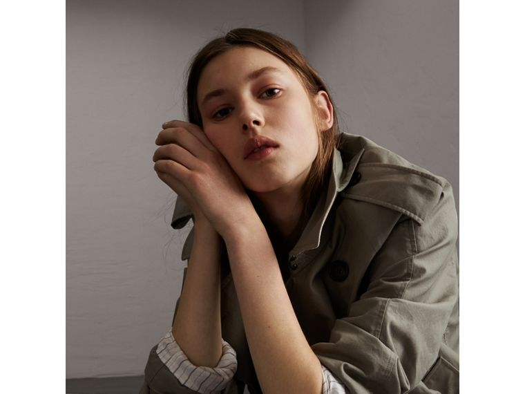 Unisex Tropical Gabardine Trench Jacket in Slate Green - Women | Burberry Singapore - cell image 4