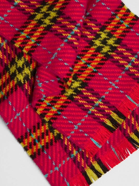 Vintage Check Merino Wool Scarf in Pomegranate Pink | Burberry United Kingdom - cell image 1