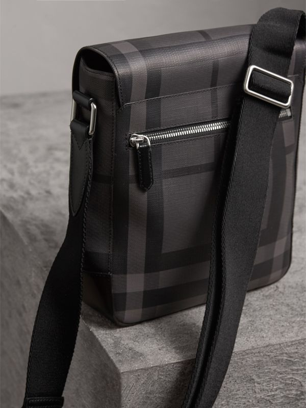 Sac à bandoulière avec motif London check (Anthracite/noir) - Homme | Burberry - cell image 3