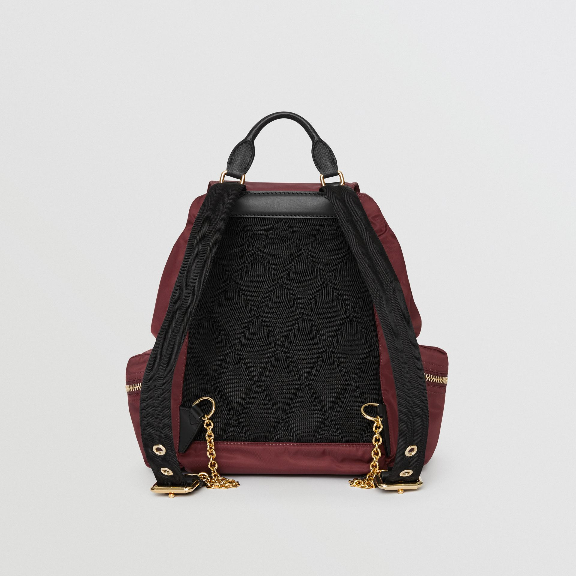 Sac The Rucksack moyen en nylon technique et cuir (Rouge Bourgogne) - Femme | Burberry Canada - photo de la galerie 6