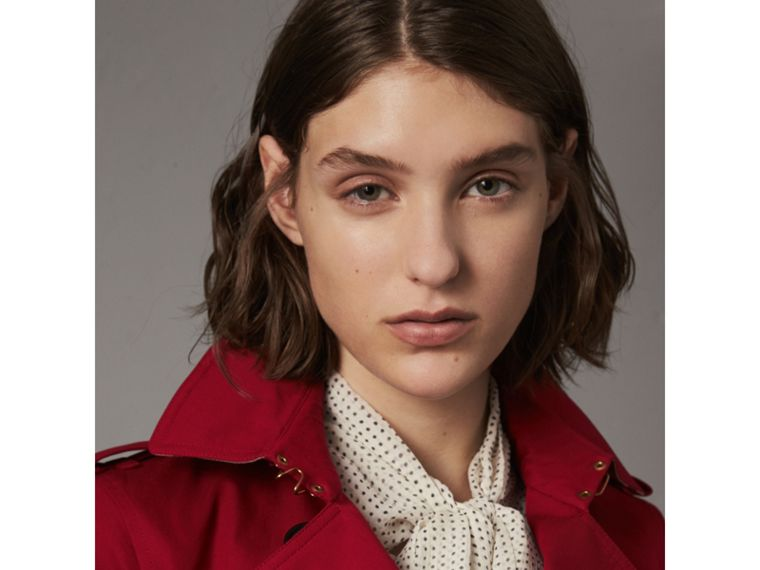 The Kensington – Short Trench Coat in Parade Red - Women | Burberry - cell image 1