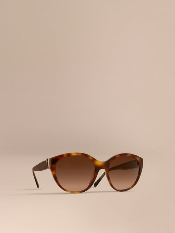Buckle Detail Round Frame Sunglasses in Tortoise Green - Women | Burberry Hong Kong