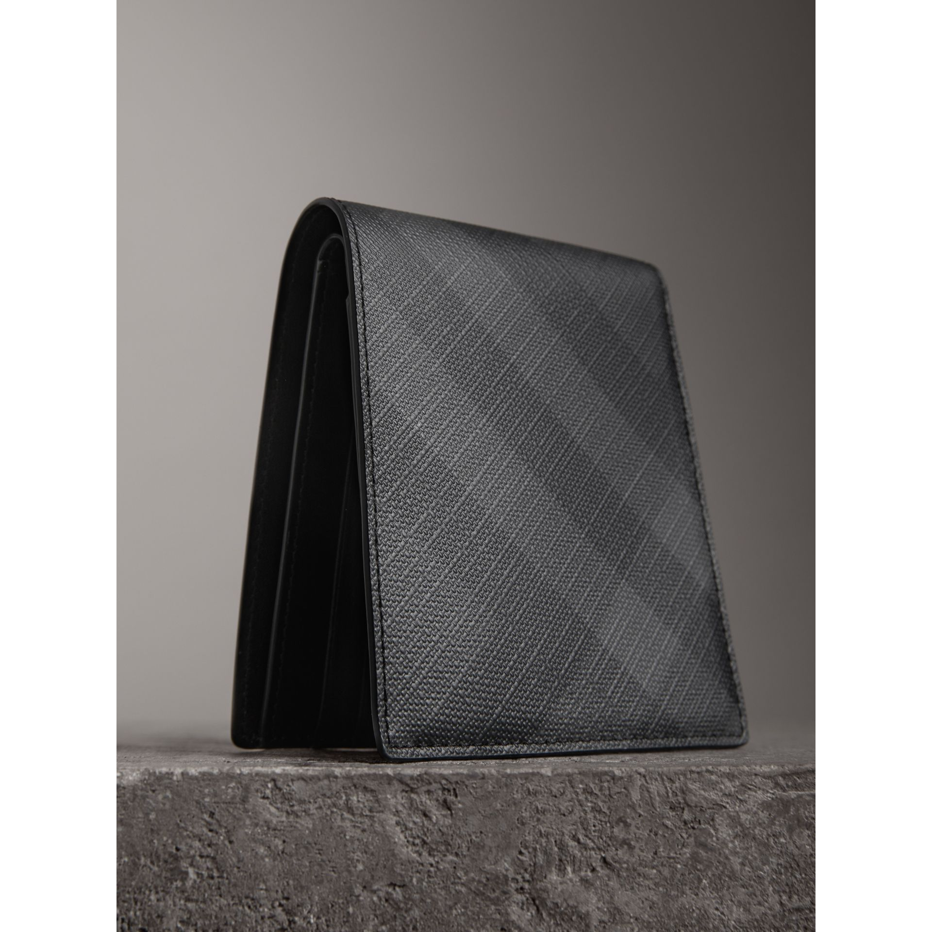 London Check International Bifold Coin Wallet in Charcoal/black - Men | Burberry - gallery image 2