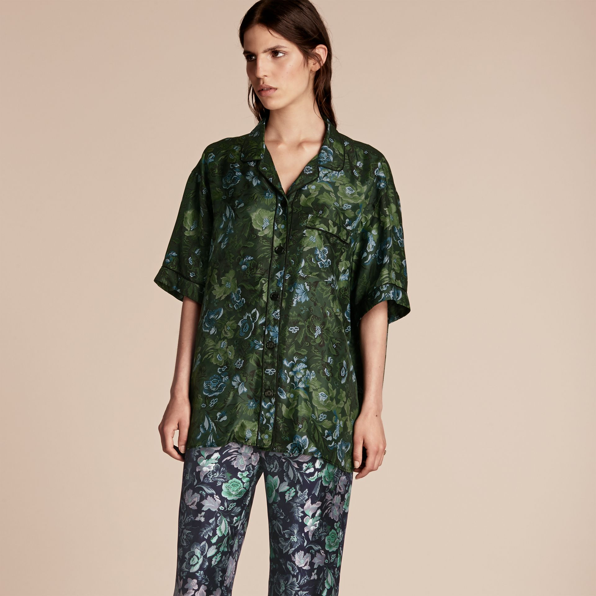 Forest green Short-sleeved Floral Print Silk Pyjama-style Shirt Forest Green - gallery image 1