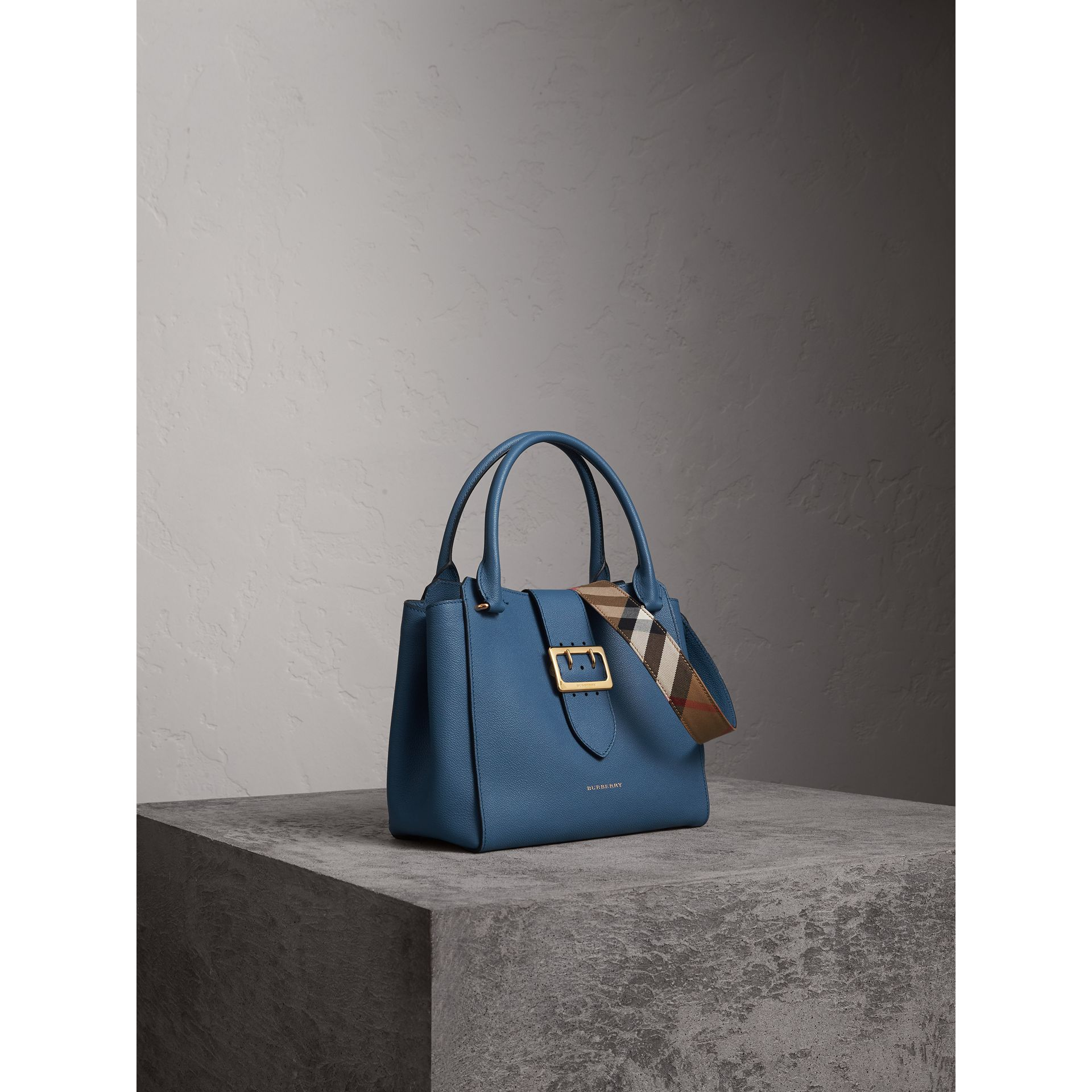 The Medium Buckle Tote in Grainy Leather in Steel Blue - Women | Burberry - gallery image 8