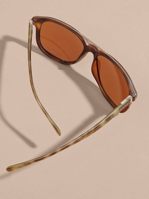 Square Frame Sunglasses in Tortoise Shell - cell image 3