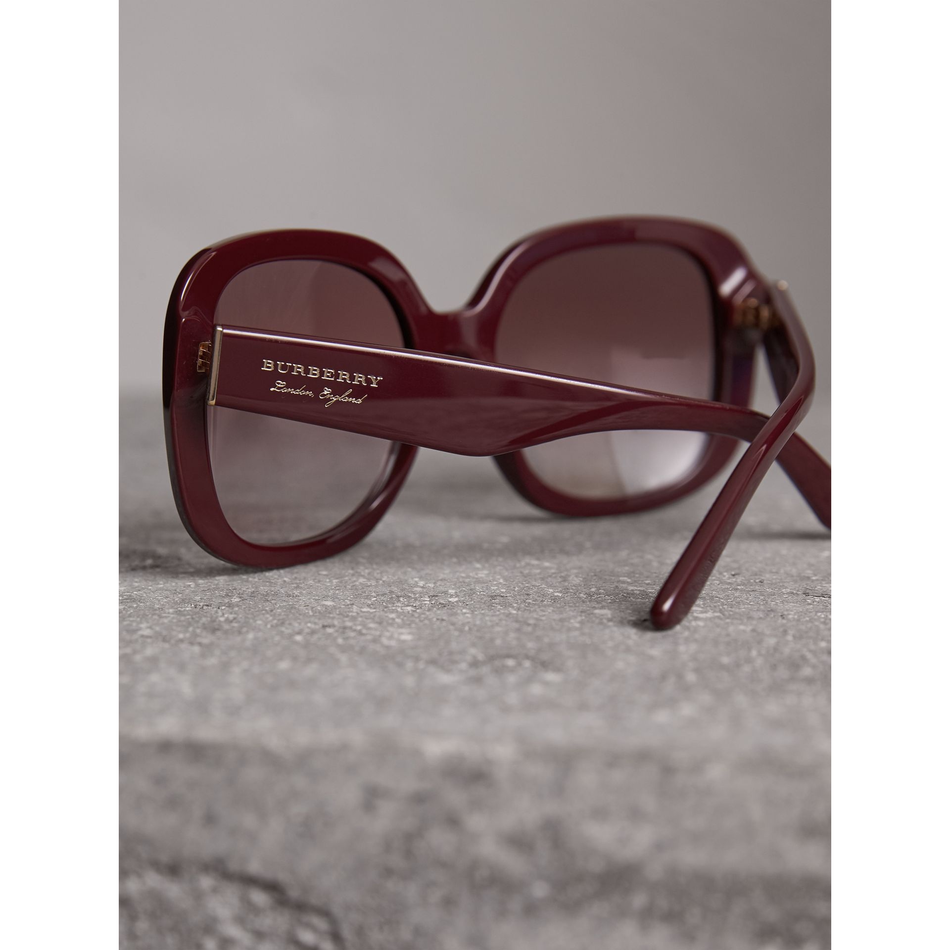 Square Frame Sunglasses in Burgundy - Women | Burberry United Kingdom - gallery image 1
