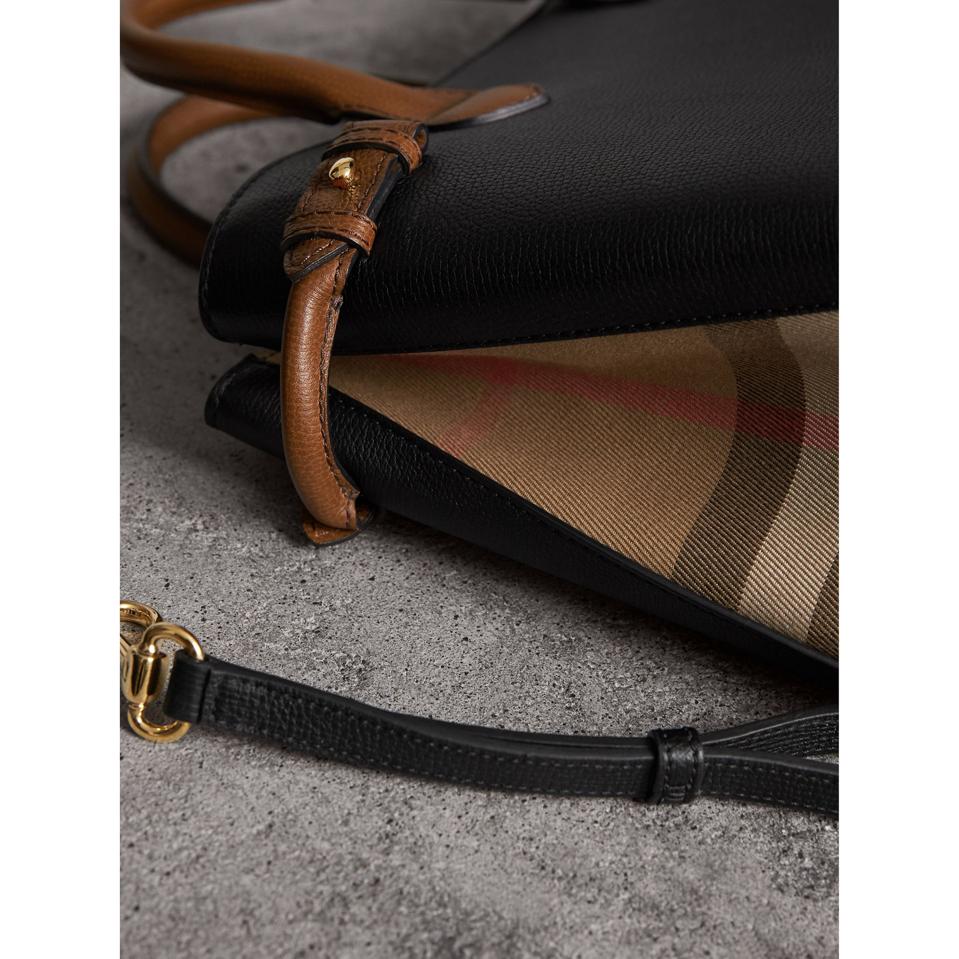 The Medium Banner in Two Tone Leather in Black/tan - Women | Burberry Australia - gallery image 6
