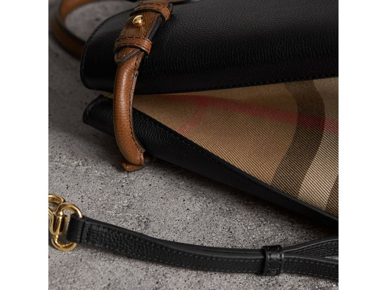 The Medium Banner in Two Tone Leather in Black/tan - Women | Burberry - cell image 4