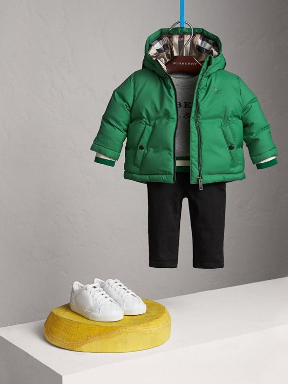 Down-filled Hooded Puffer Jacket in Pigment Green