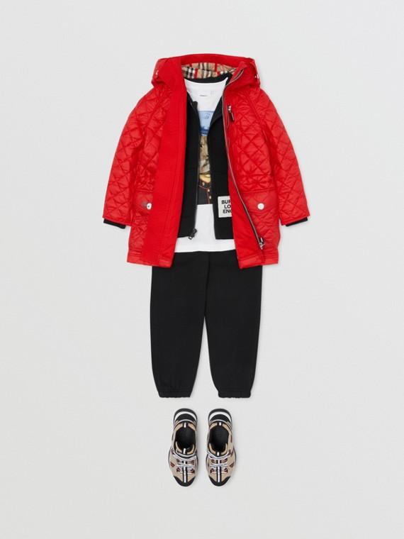Abrigo acolchado a rombos con capucha (Rojo Intenso)