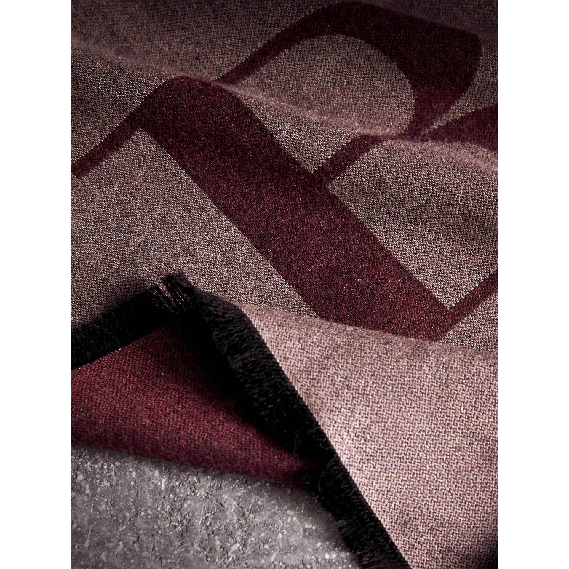 Graphic Print Motif Cashmere Wrap in Ash Rose - Women | Burberry - gallery image 2