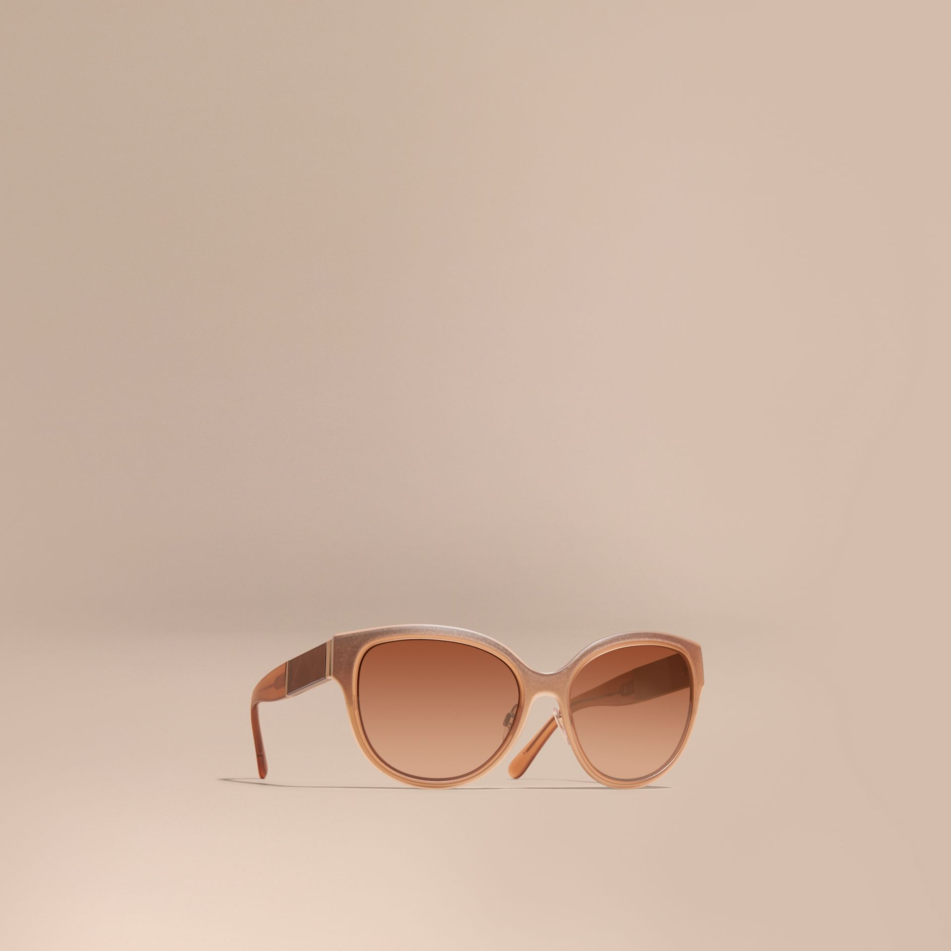 Check Detail Round Cat-eye Sunglasses Light Wood - gallery image 1