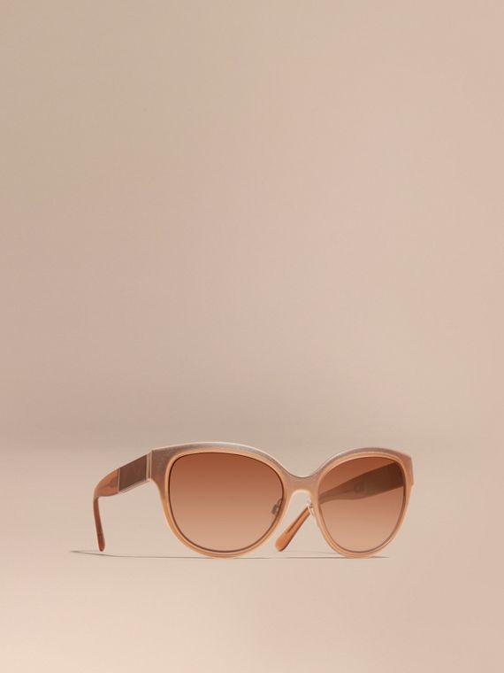 Check Detail Round Cat-eye Sunglasses Light Wood