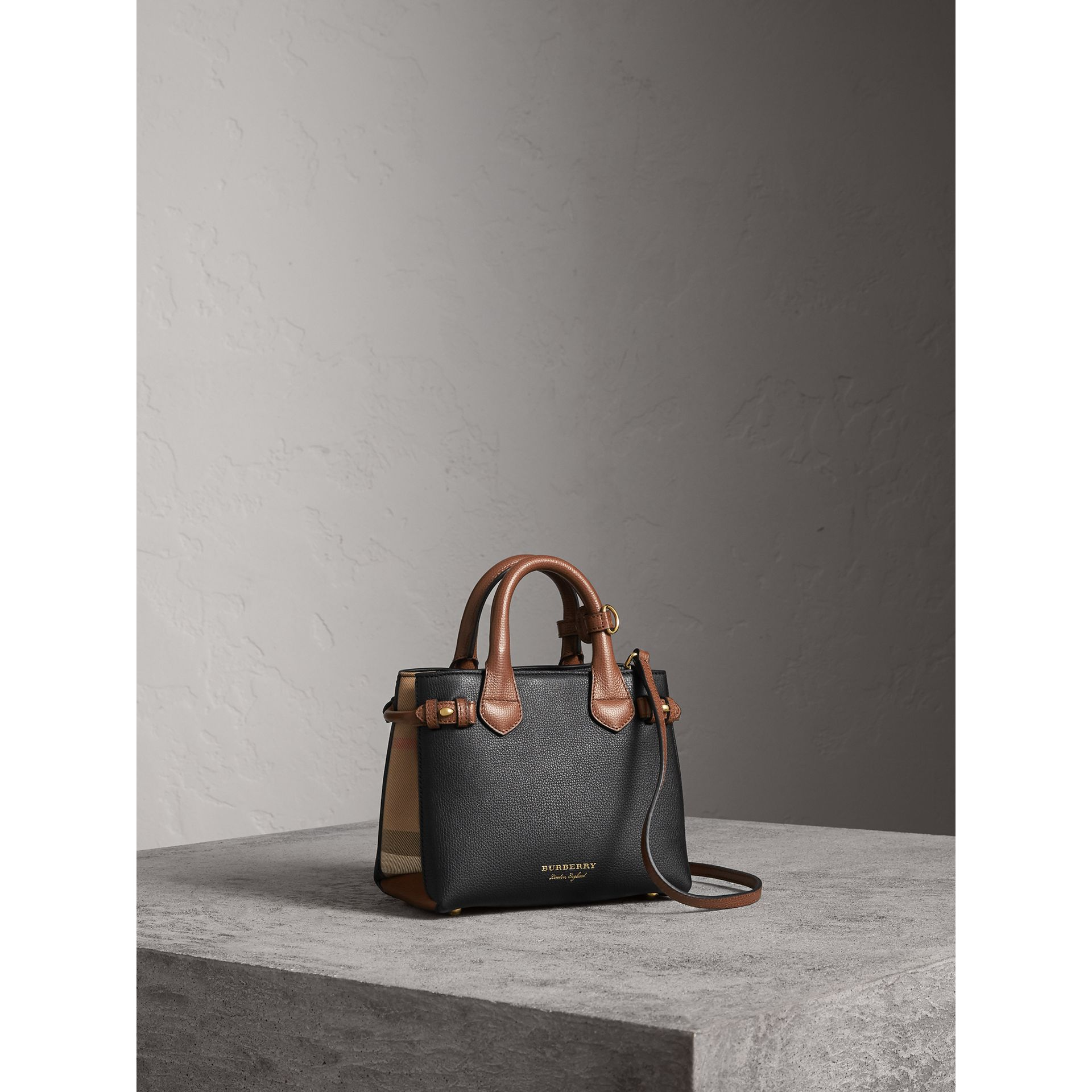 Sac The Baby Banner en cuir et coton House check - Femme | Burberry - photo de la galerie 1