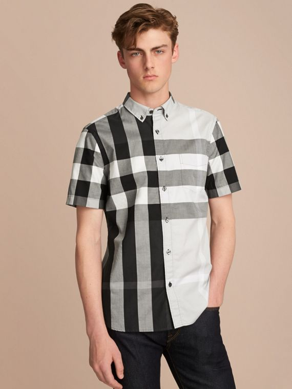 Button-down Collar Short-sleeve Check Cotton Shirt in Light Grey