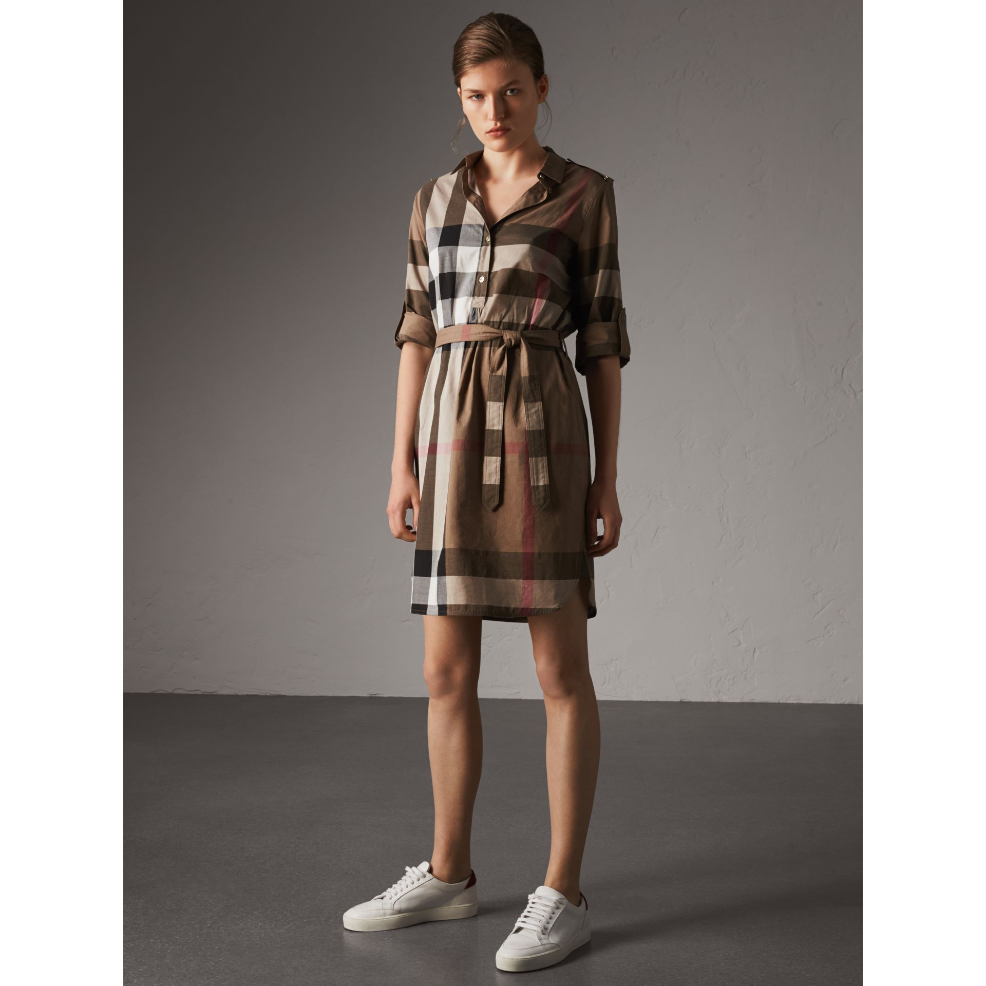 Check Cotton Shirt Dress in Taupe Brown - Women | Burberry Australia - gallery image 4