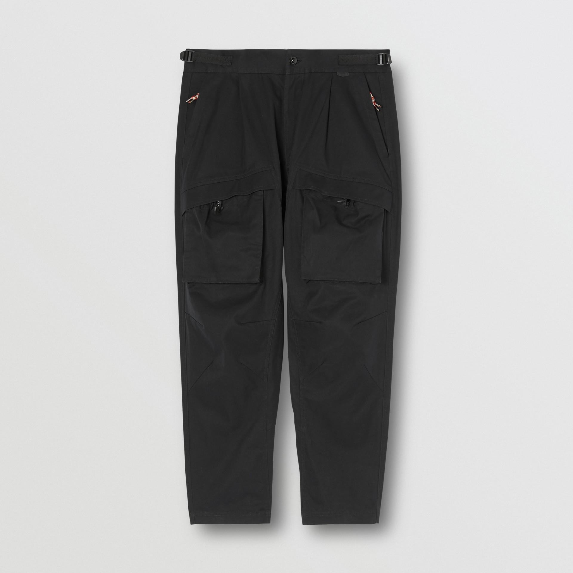 Pantalones tipo cargo en algodón (Negro) - Hombre | Burberry - imagen de la galería 3