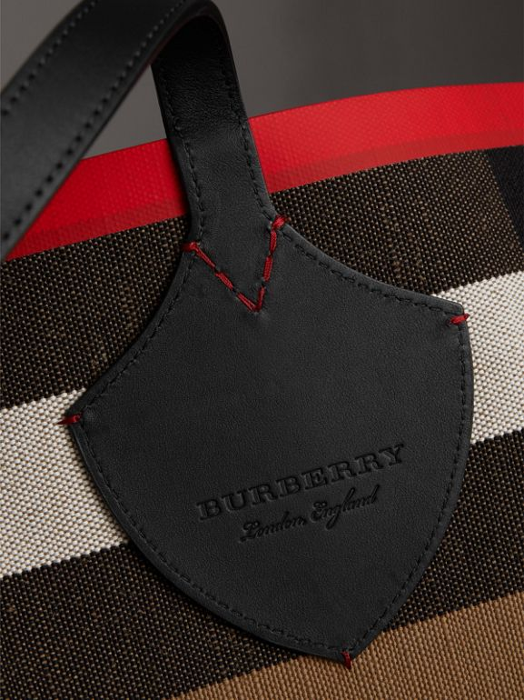 The Giant Reversible Tote in Canvas Check and Leather in Military Red/classic | Burberry Australia - cell image 1