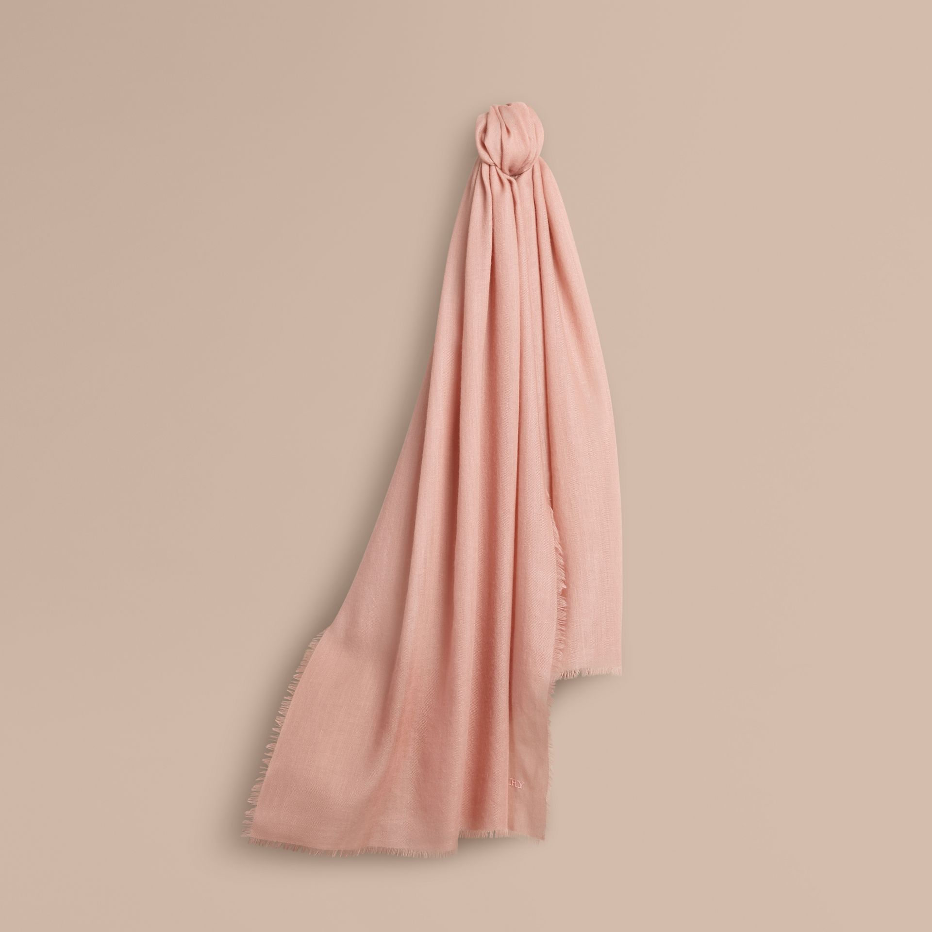 The Lightweight Cashmere Scarf Rose - gallery image 6
