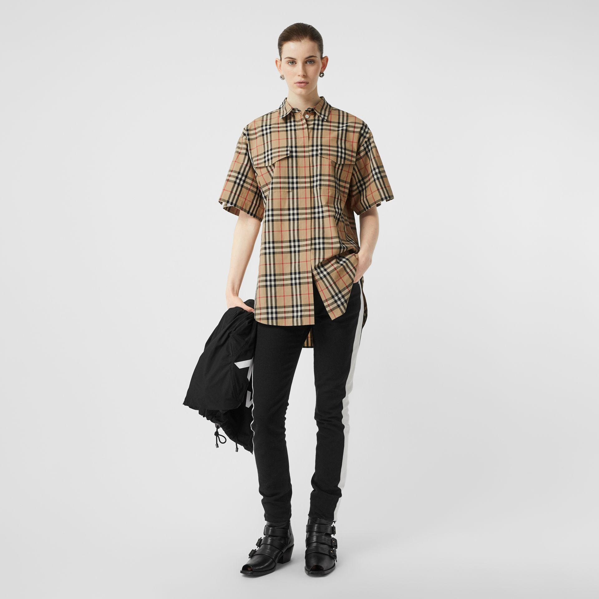 Short-sleeve Vintage Check Cotton Oversized Shirt in Archive Beige - Women | Burberry - gallery image 0