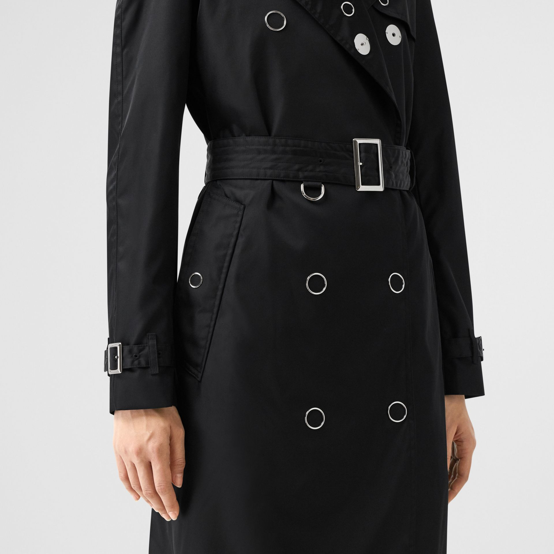 Press-stud Detail ECONYL® Trench Coat in Black - Women | Burberry Canada - gallery image 4