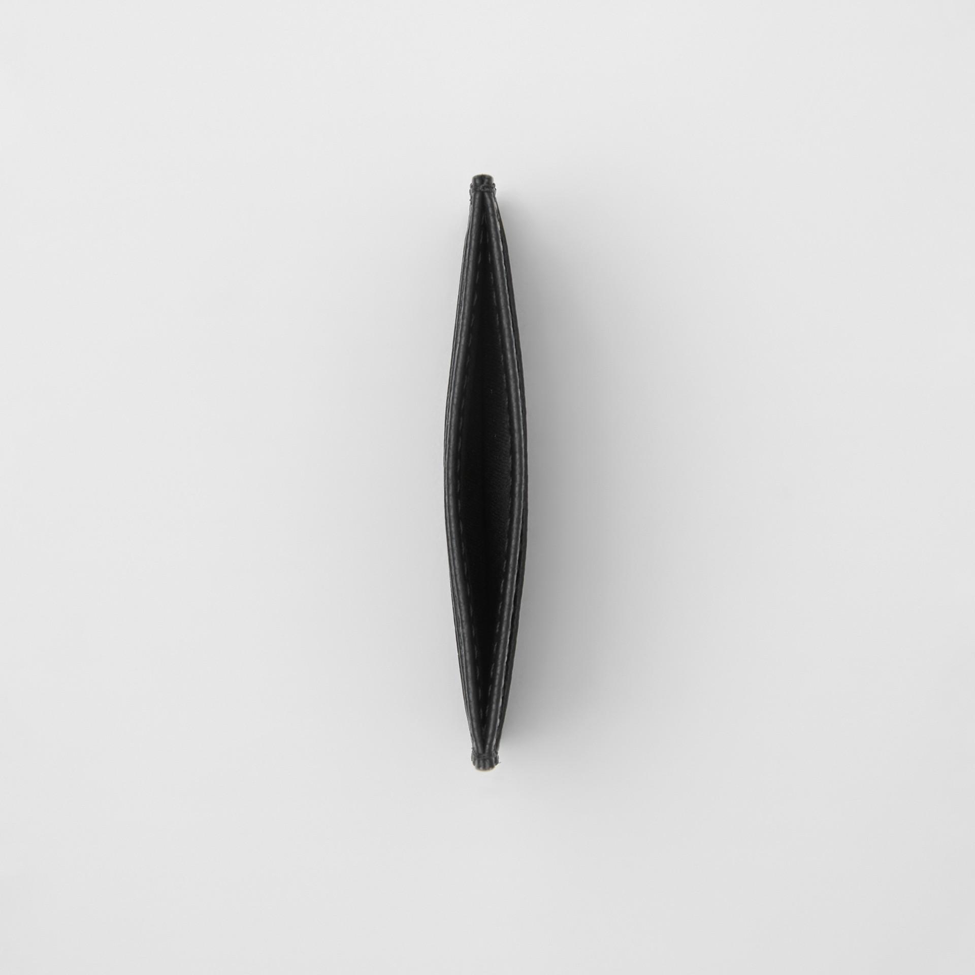 グレイニーレザー カードケース (ブラック) | バーバリー - ギャラリーイメージ 2