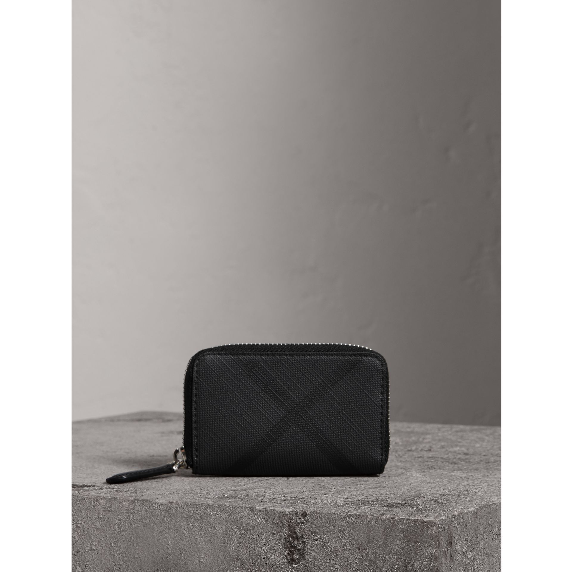 London Check Ziparound Coin Case in Black/charcoal - Men | Burberry Singapore - gallery image 4