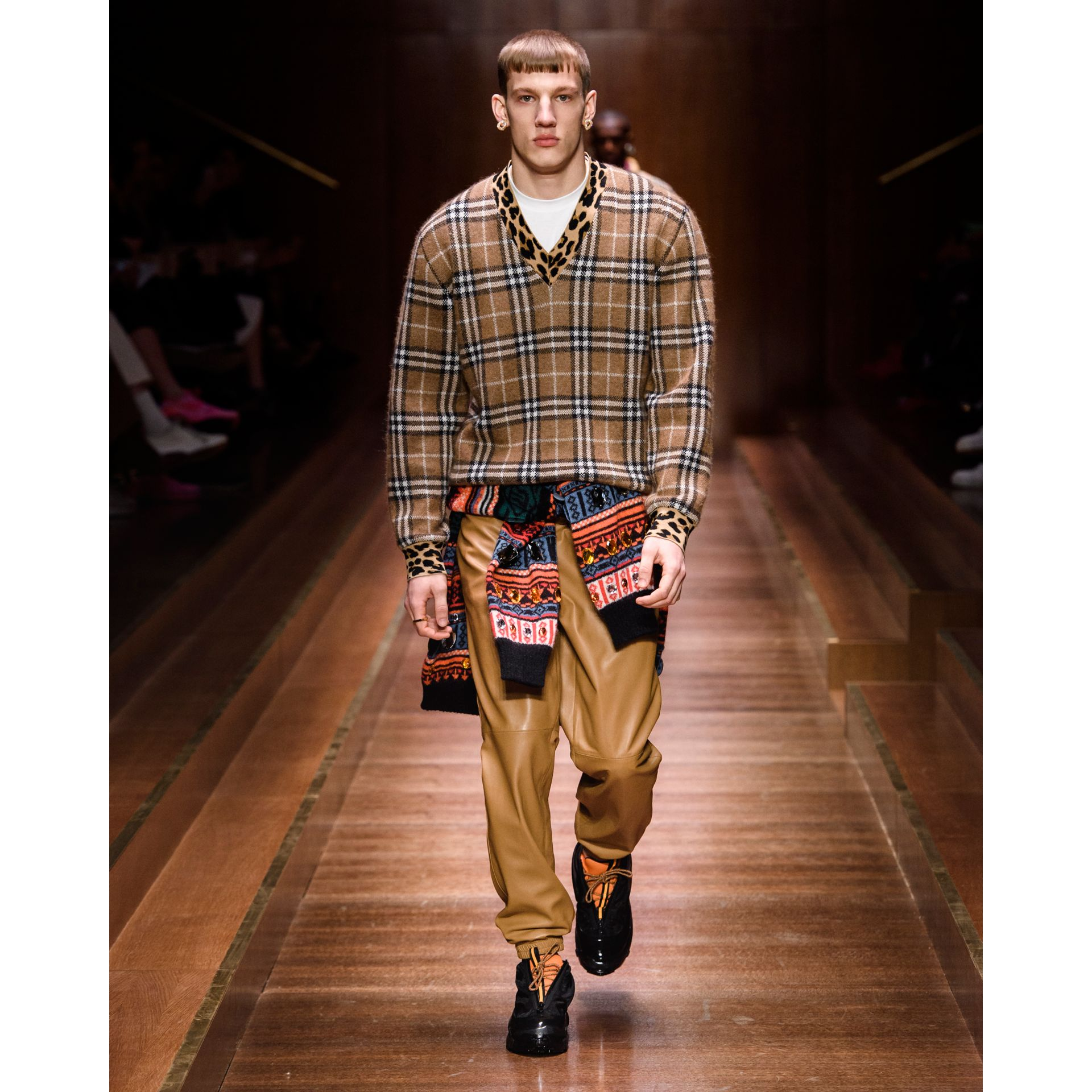 Leopard Detail Vintage Check Cashmere Blend Sweater in Warm Walnut - Men | Burberry - gallery image 6