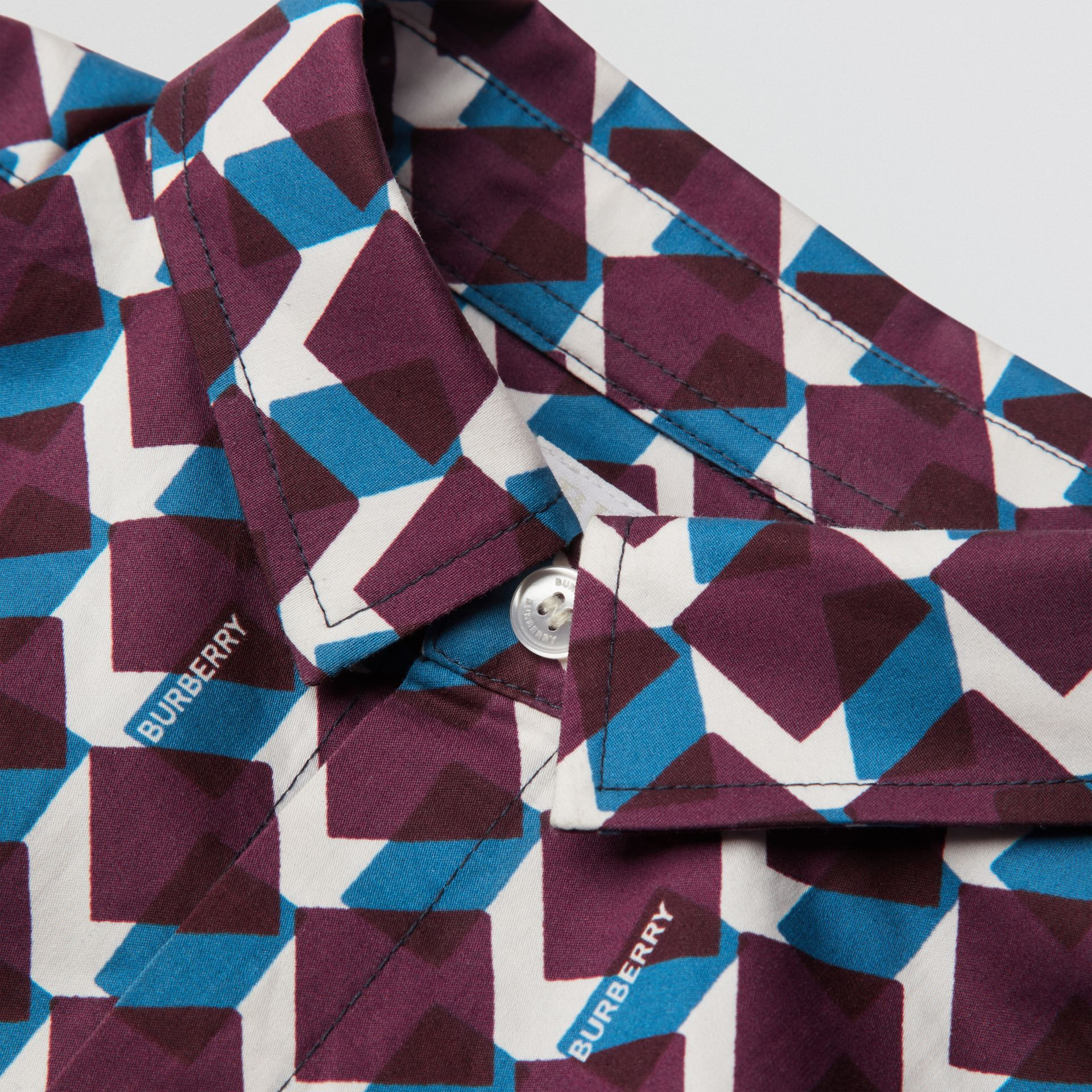 Short-sleeve Geometric Print Cotton Shirt in Mineral Blue | Burberry - gallery image 1