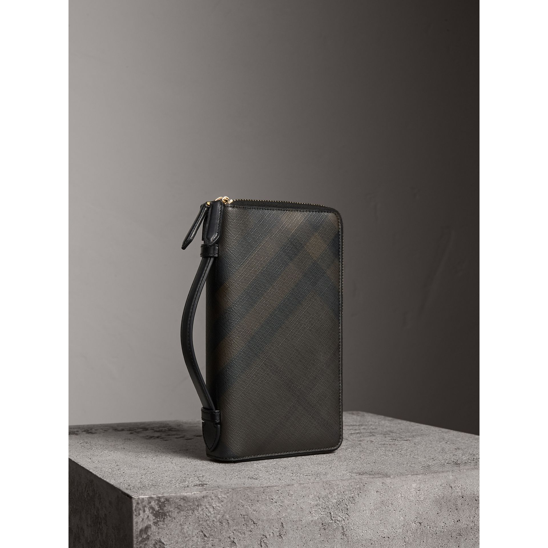 London Check Travel Wallet in Chocolate/black - Men | Burberry - gallery image 0