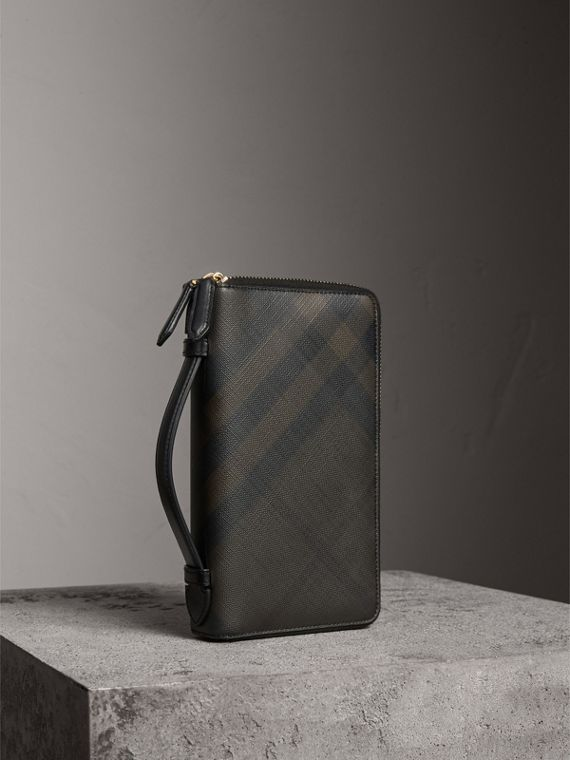 London Check Travel Wallet in Chocolate/black