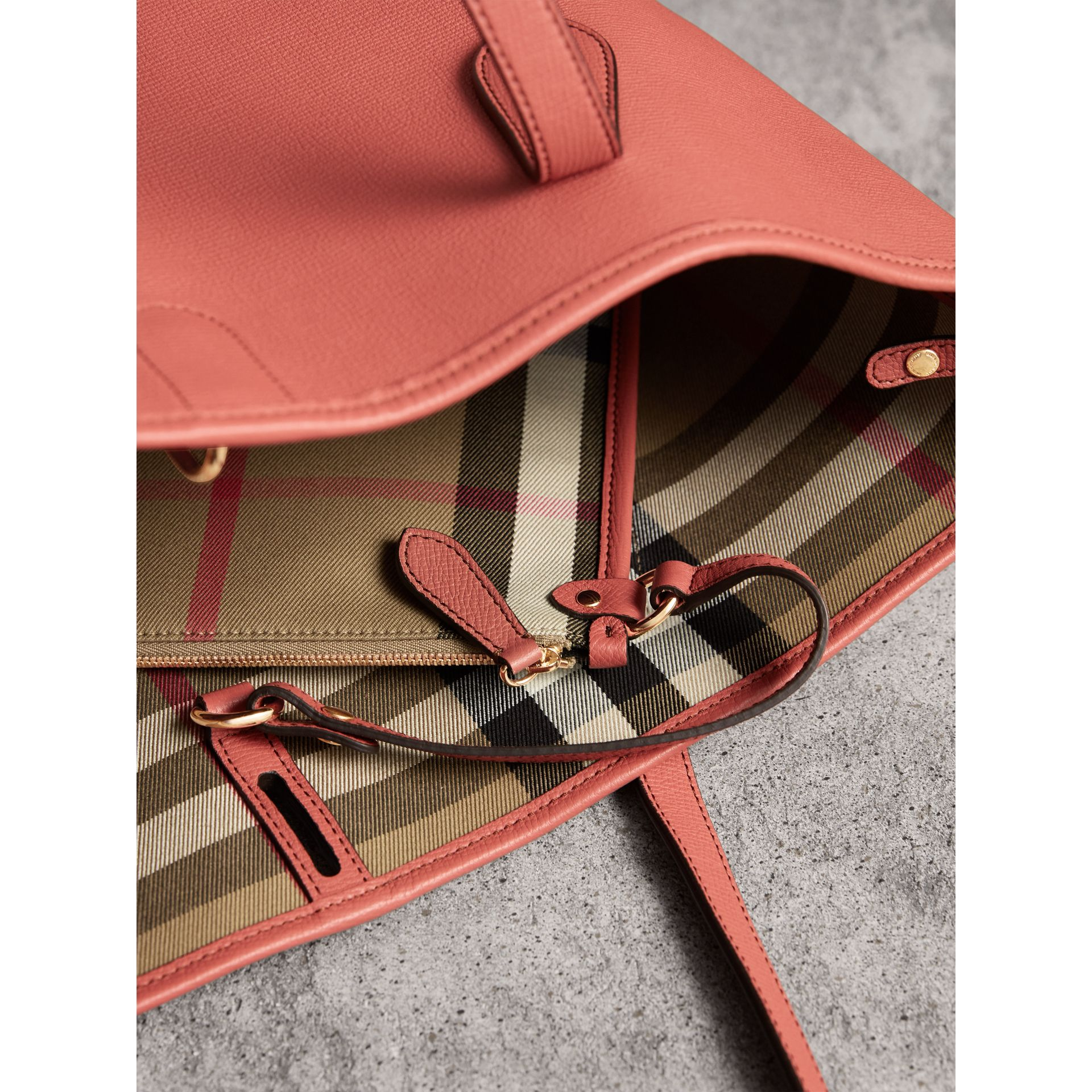 Medium Grainy Leather Tote Bag in Cinnamon Red - Women | Burberry - gallery image 5