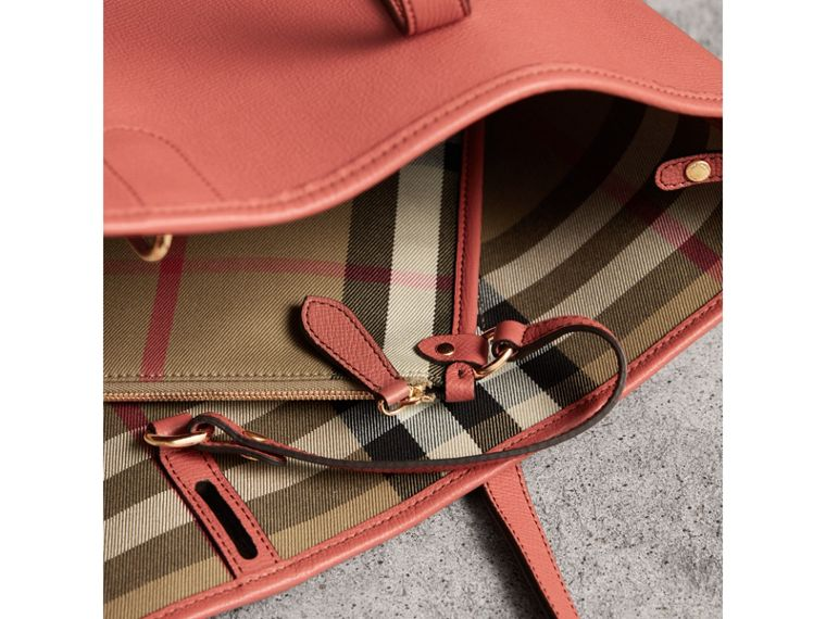 Medium Grainy Leather Tote Bag in Cinnamon Red - Women | Burberry - cell image 4