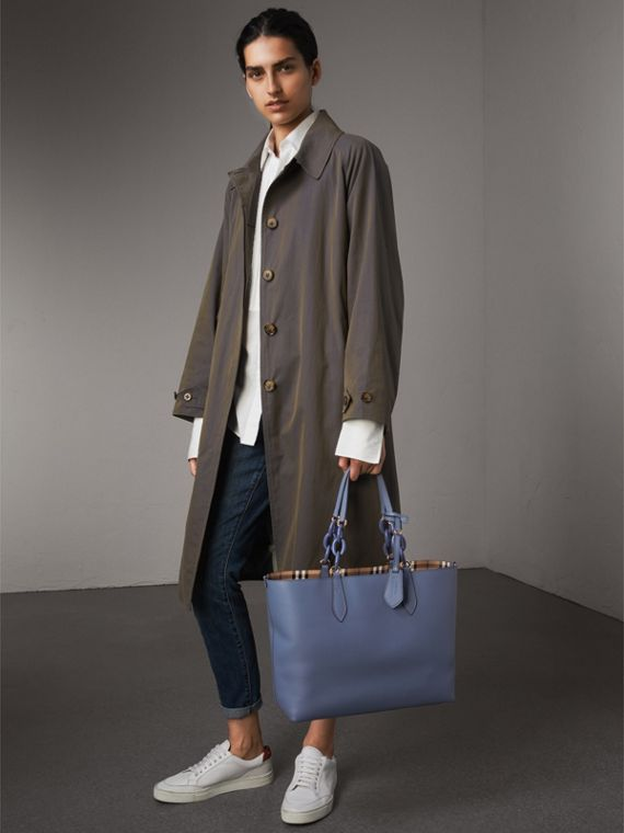The Medium Reversible Tote with Resin Chain in Slate Blue - Women | Burberry - cell image 2