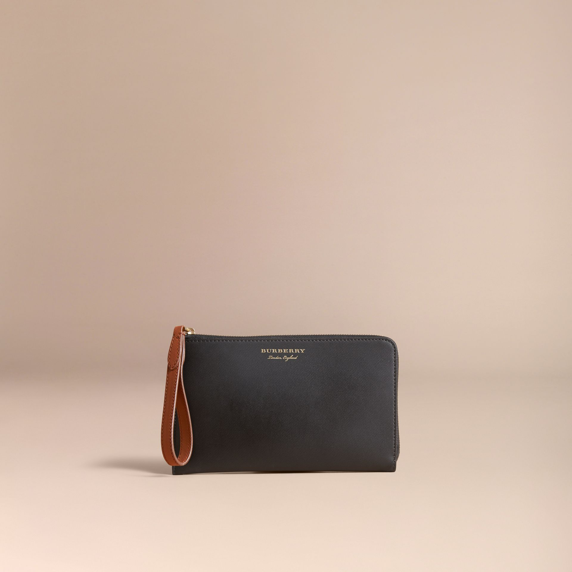 Two-tone Trench Leather Travel Wallet in Black - Men | Burberry Canada - gallery image 5