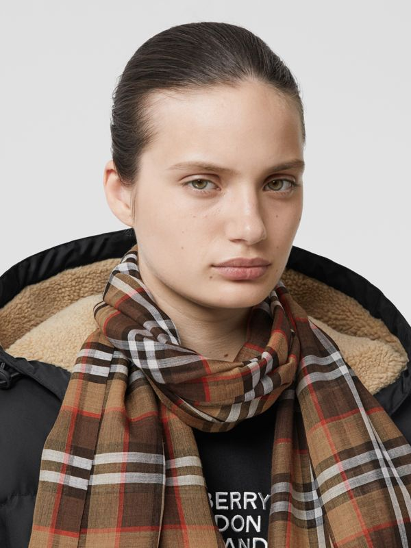 Vintage Check Lightweight Wool Silk Scarf in Mahogany | Burberry - cell image 2