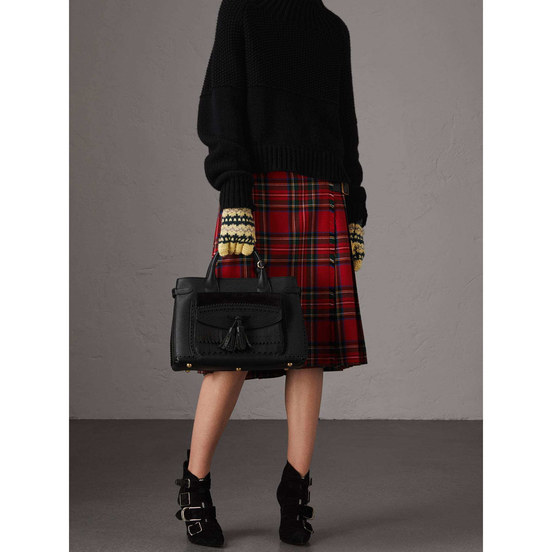 Sac The Banner moyen de style richelieu (Noir) - Femme | Burberry Canada - photo de la galerie 2