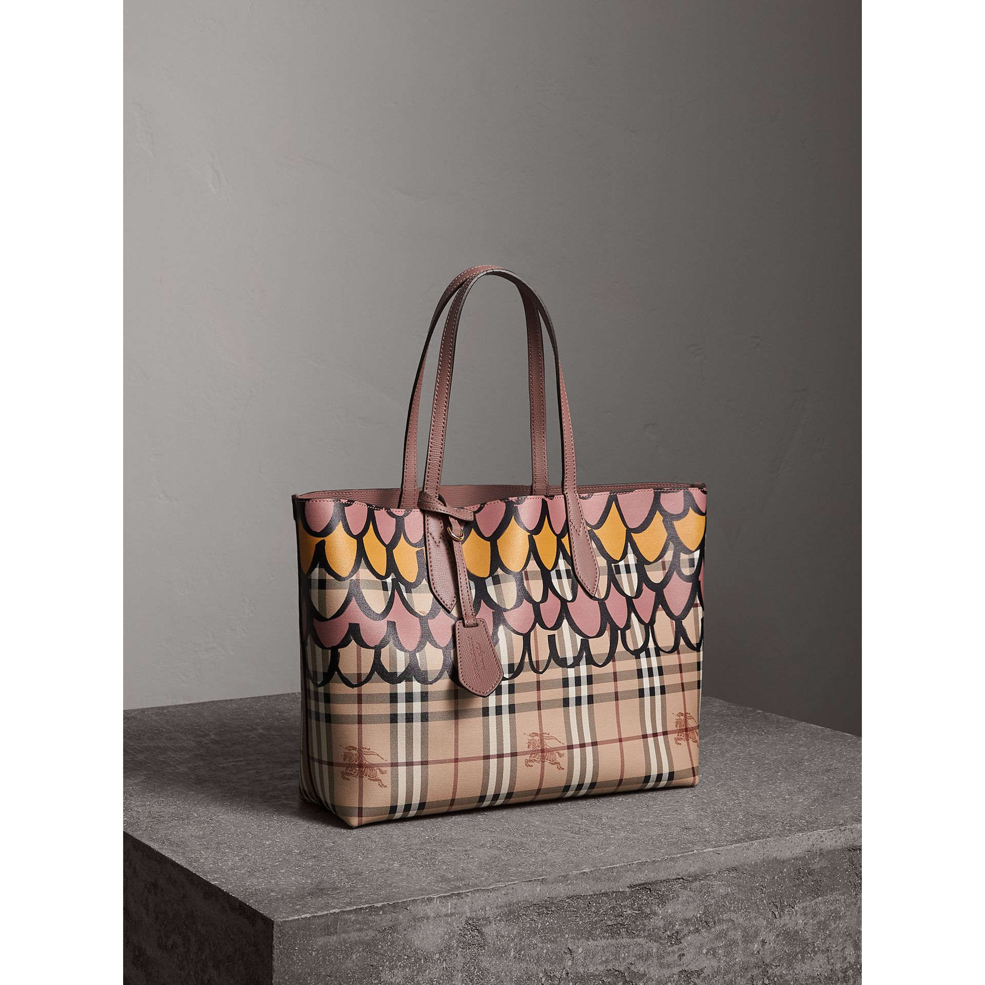The Medium Reversible Tote in Trompe L'oeil Print in Light Elderberry - Women | Burberry - gallery image 8