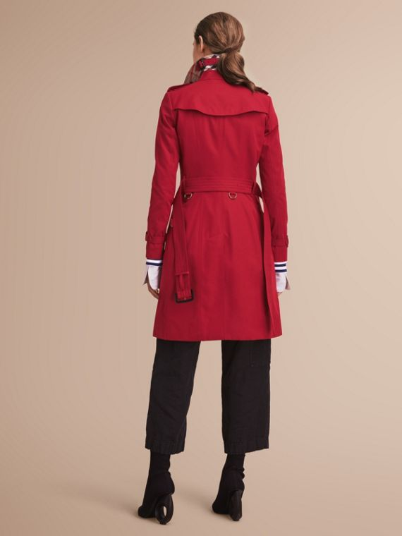 The Chelsea – Long Heritage Trench Coat in Parade Red - Women | Burberry Singapore - cell image 2