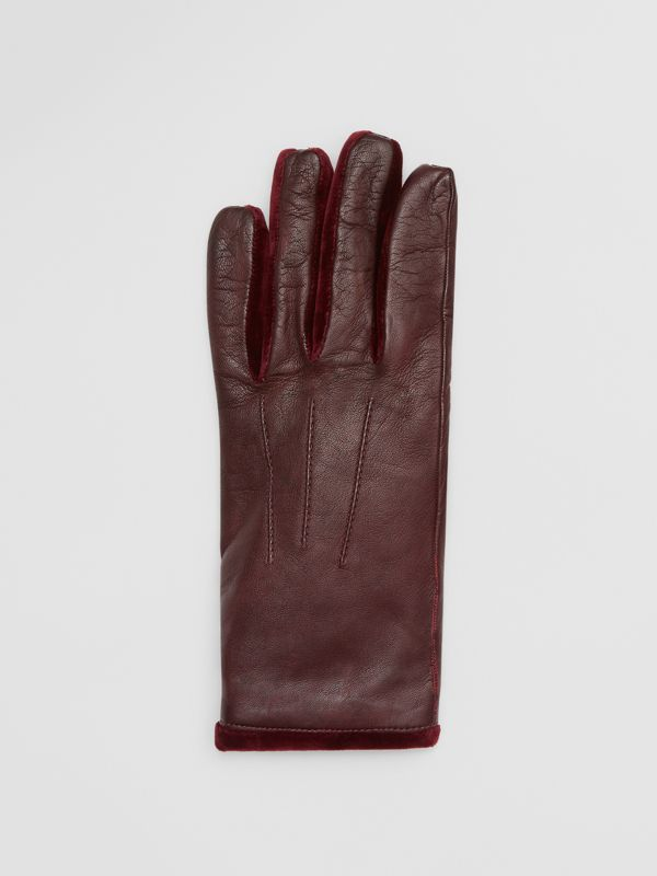 Cashmere-lined Lambskin and Velvet Gloves in Burgundy | Burberry - cell image 2
