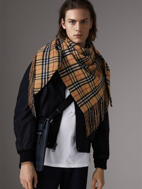 Borsa a tracolla con motivo Smoked check e finiture in pelle (Navy/nero) - Uomo | Burberry - cell image 2